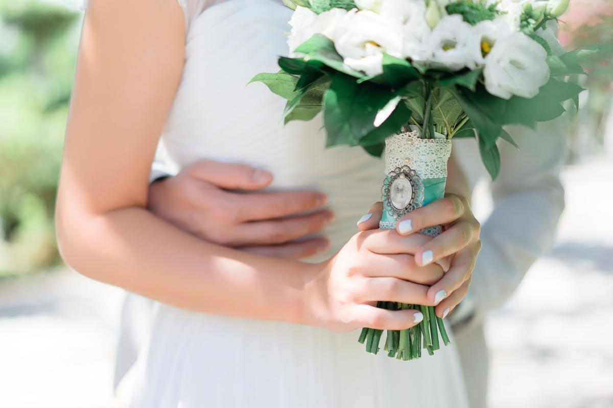 Как заказать свадебный букет на кипре купить розы в воронеж