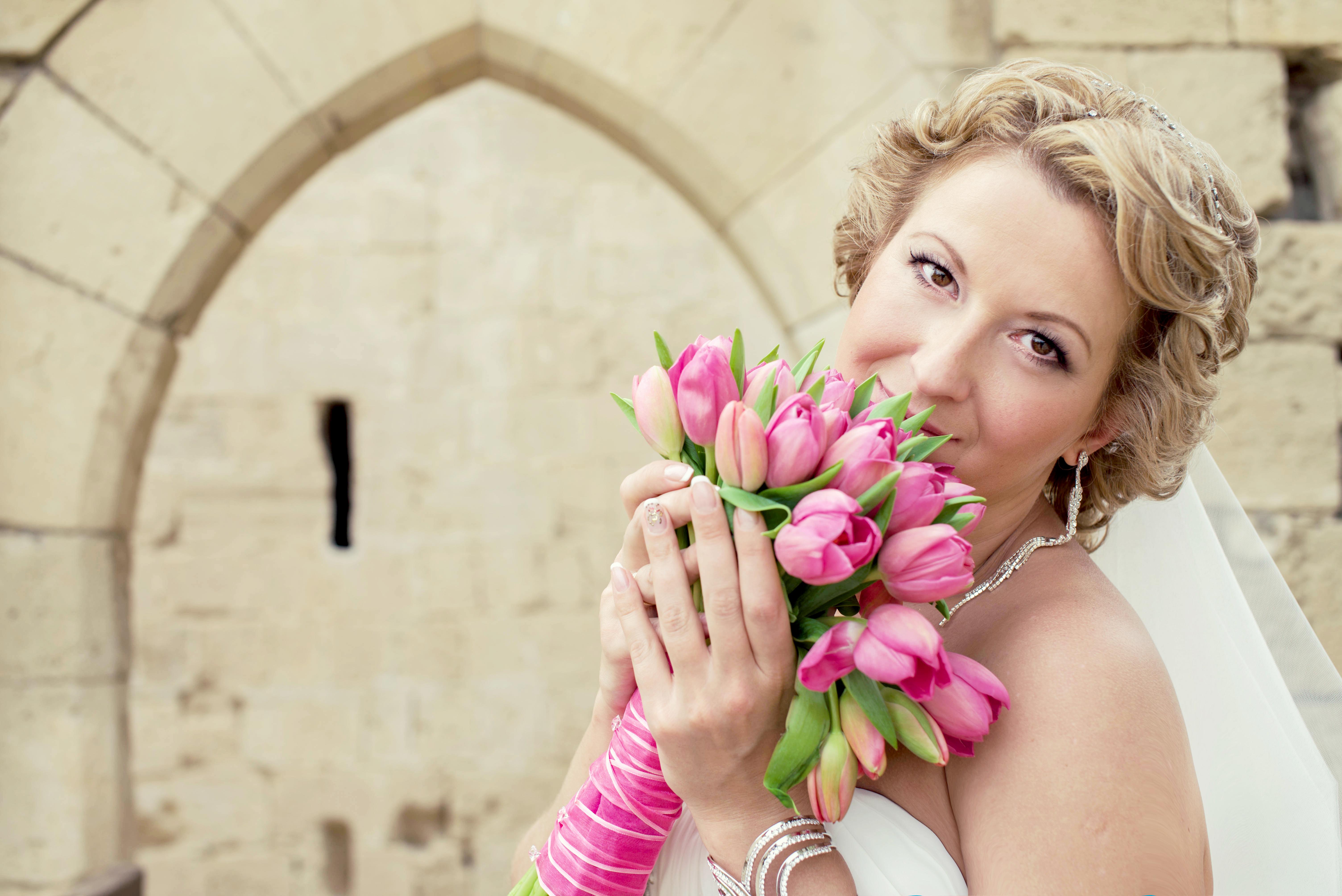 букет невесты, тюльпаны, свадьба на Кипре