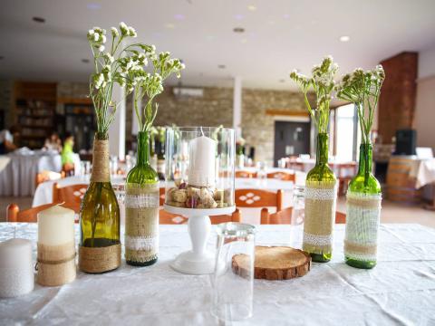 Оформление зала, свадьба на Кипре, свадьба на винодельне