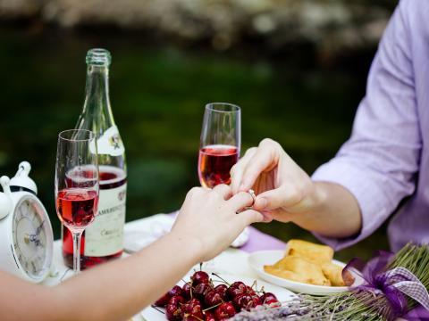 Романтические свидания на Кипре - предложение руки и сердца