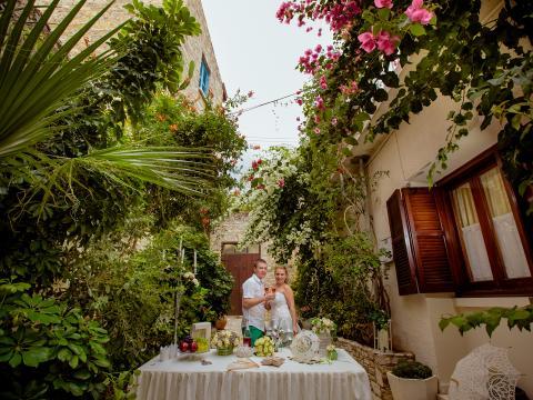 Оформление винтажной свадьбы в Лефкаре